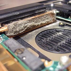 Sülearvuti ummistunud radiaator